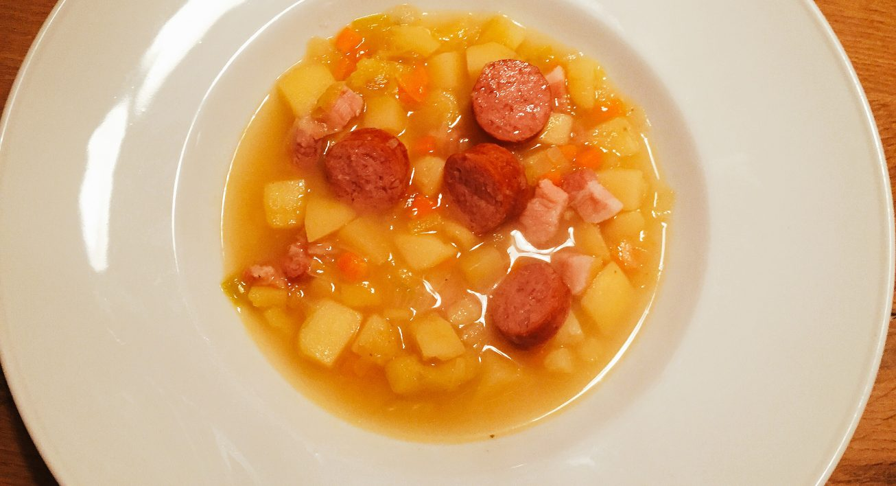 Kartoffelsuppe auf dem Teller